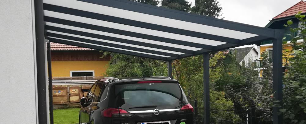 Grenzbebauung Carport