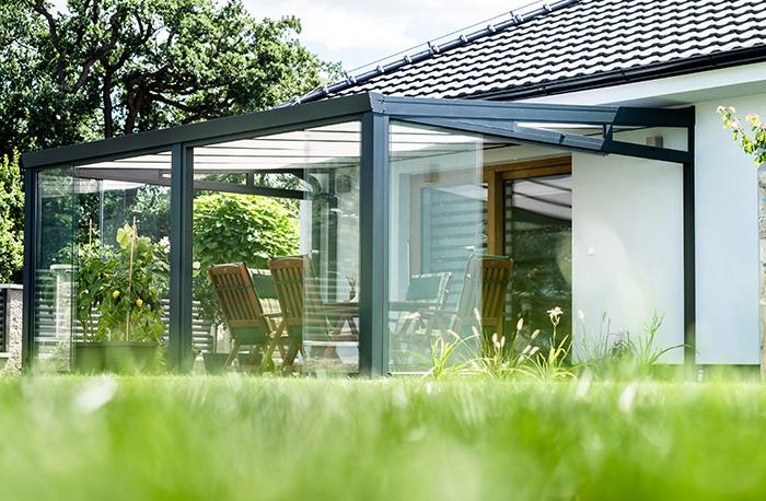 Terrassenüberdachung mit Glasschiebewand