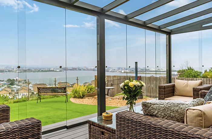 Terrassenüberdachung Glas mit Glasschiebewand